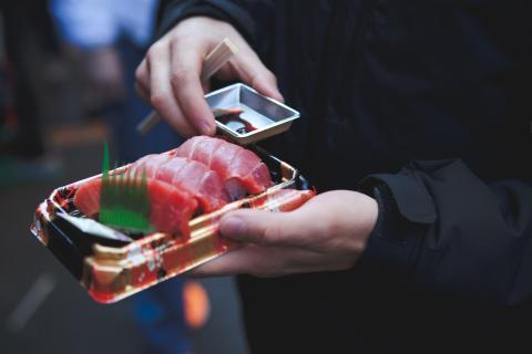 atún, sushi