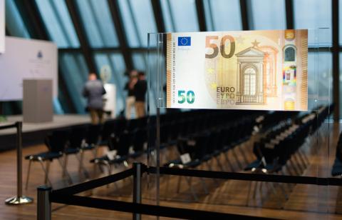 Un billete de 50 euros en la sede del BCE.