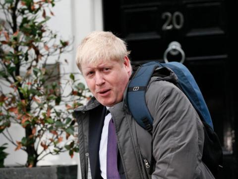 Boris entonces apoyó a Andrea Leadsom, ex ministro de estado de energía, pero ella también se retiró pronto.