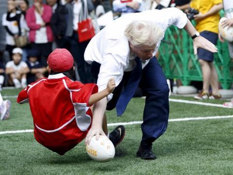 La decisión fue criticada duramente ya que Boris había hecho numerosos comentarios negativos sobre los líderes extranjeros.