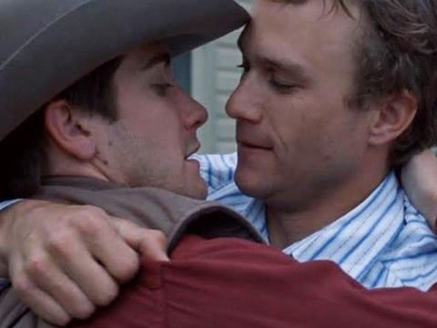 "Jake Gyllenhaal y Heath Ledger como Jack y Ennis en ""Brokeback Mountain""."