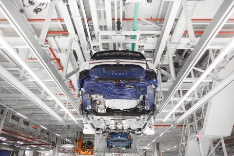 Producción en serie del T-Cross en la fabrica de navarra de Volkswagen.