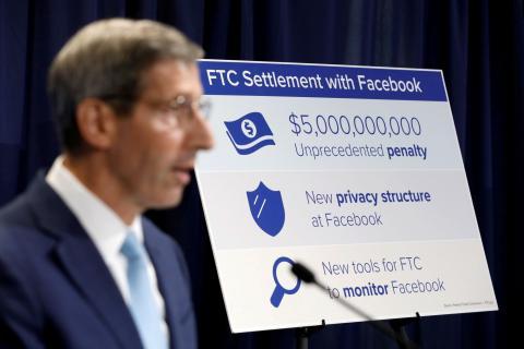 Rueda de prensa con la FTC tras la sanción a Facebook.