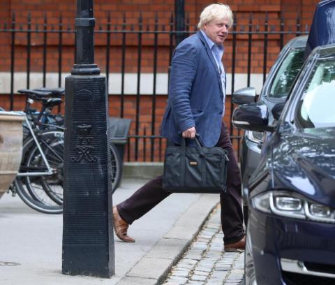 Johnson no fue un diplomático muy efectivo y cometió muchos errores y dijo varios comentarios ofensivos.