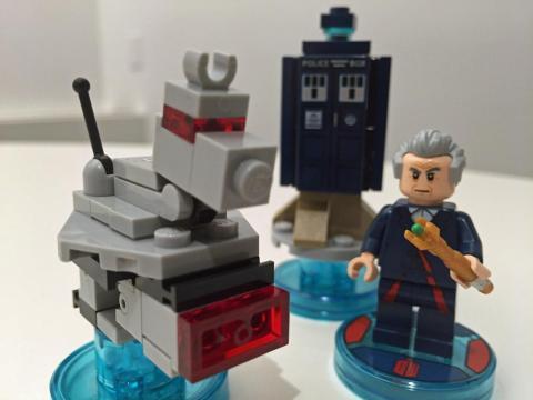 El Doctor Who en piezas de Lego.