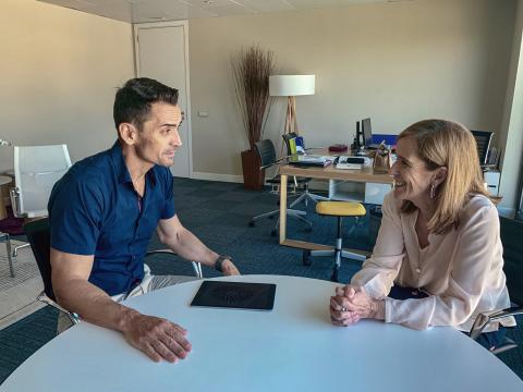 Manuel del Campo, CEO de Axel Springer España (izq) y Marieta Jiménez Urgal, presidenta y directora general de Merck en España
