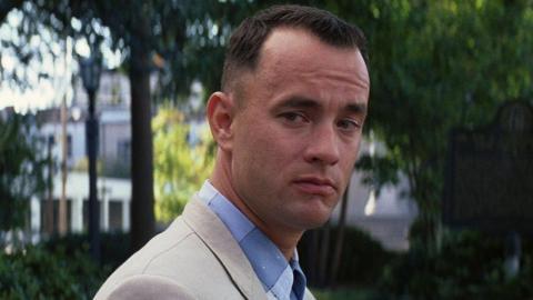 """""""Mi película favorita es Forrest Gump. Dijo que nadie gana dinero cazando ballenas, la gente gana dinero cazando camarones. Así que servimos a las pequeñas empresas""""."""