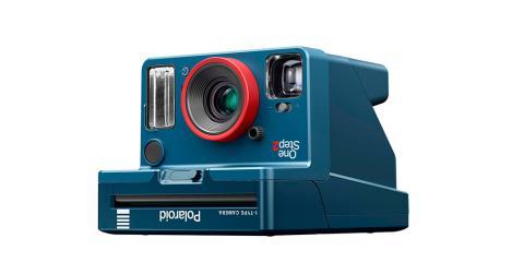 No dejes escapar un momento con la mítica 'Polaroid del revés'