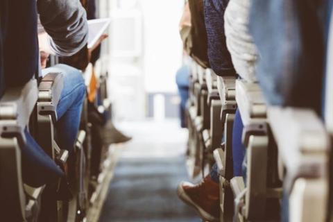 No uses el asiento de enfrente para levantarte