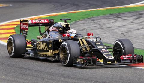 El piloto Romain Grosjean en un monoplaza de Lotus
