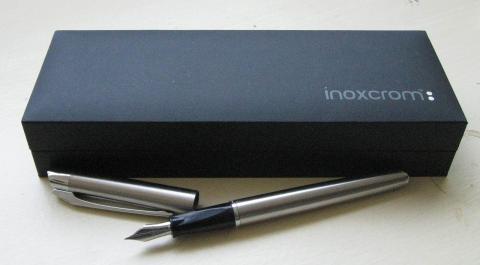 Una pluma estilográfica Inoxcrom