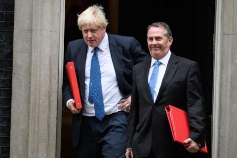 A principios de marzo, Johnson fue muy criticado después de sugerir que se había desperdiciado el dinero en investigaciones por abuso a menores. Sin embargo, los periodistas británicos lo señalaron como el sucesor más probable.