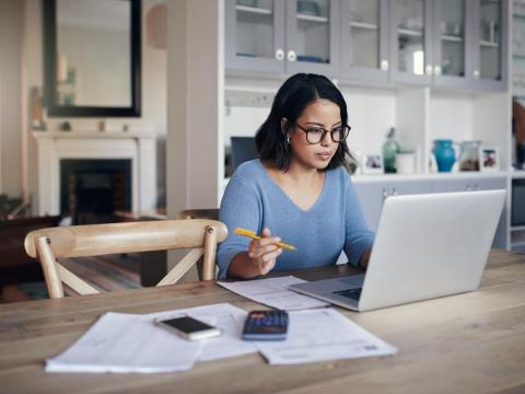 Remote workers work harder to prove their commitment, new research finds.