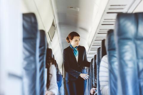 Respeta al personal de a bordo.