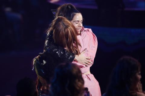 Rosalía celebra que ha ganado dos Grammy Latino.