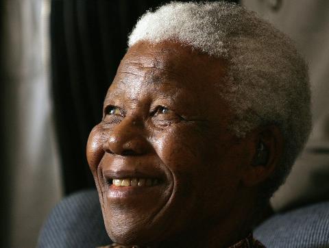La batalla de Mandela contra el régimen de apartheid de su país fue un testimonio de su valor, resistencia, humildad y perdón.