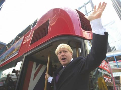 También logró, tras un gran esfuerzo, que volviesen los autobuses Routemaster de Londres.