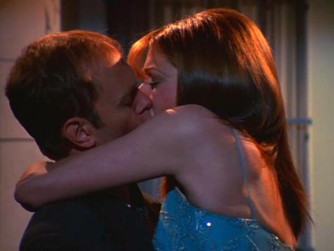 """David Hyde Pierce y Jane Leeves como Niles y Daphne en """"Frasier""""."""