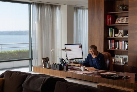 Bill Gates en su despacho.