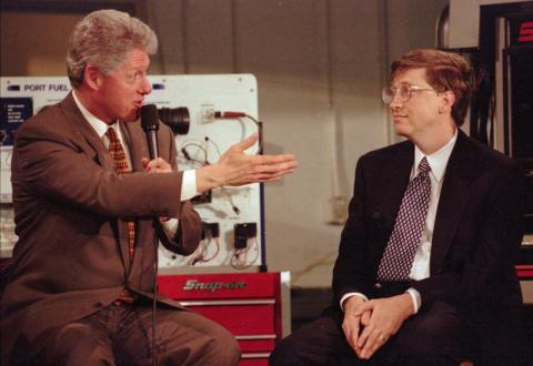 Bill Gates, right, with President Bill Clinton, left.