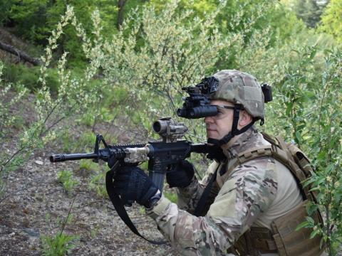 El Ejército de los Estados Unidos se encuentra en la etapa final de pruebas para sus Gafas de Visión Nocturna Mejoradas-Binoculares (ENVG-B)