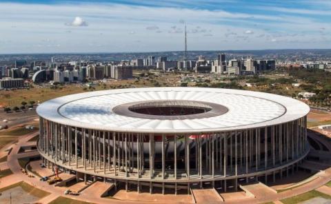 El Estadio Nacional Brasilia no se llena con los equipos locales