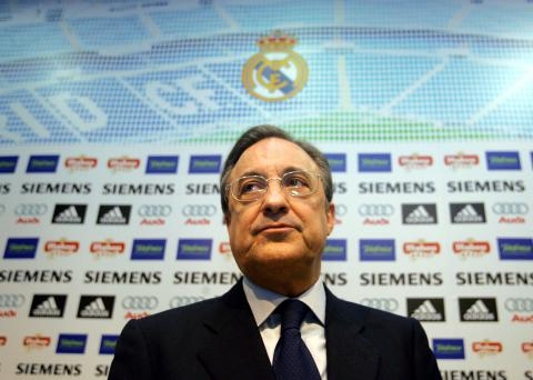 Florentino Pérez en la zona de prensa del Bernabéu.