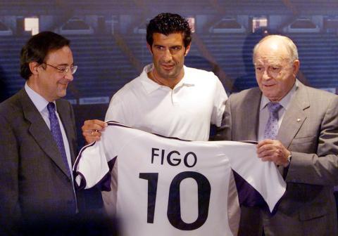 Florentino presenta a Figo.