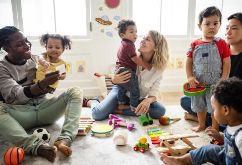 Grupos de padres con sus hijos