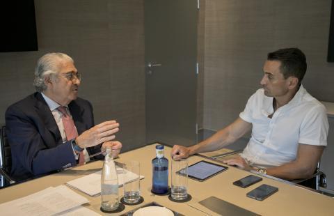 José D. Bogas Gálvez, consejero delegado de ENDESA (izquierda) y Manuel del Campo, CEO de Axel Springer España (derecha)