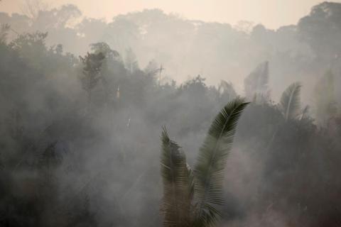 Un área de la selva amazónica cerca de Humaita, Brasil, arde el 14 de agosto de 2019.