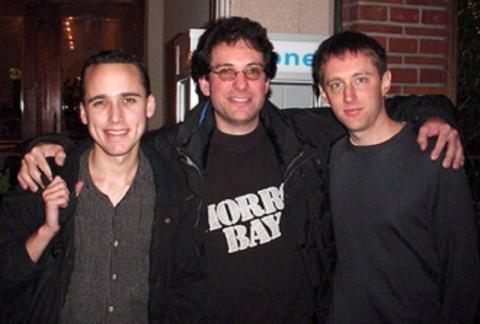 En el centro, Kevin Mitnick, este hacker estadounidense fue apodado El Cóndor
