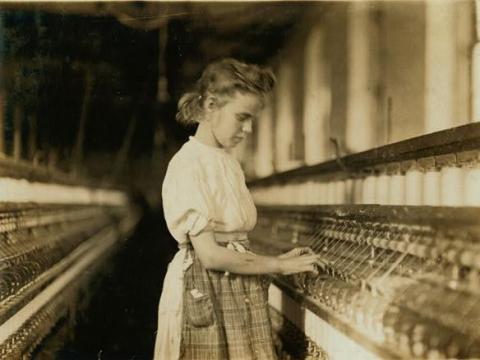 Margaret Knight también inventó un sistema de lanzadera, en la foto, que ayudó a los niños trabajadores a principios del siglo XX.