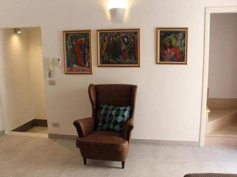 ... nor would this seating area with beautiful modern artwork to admire.