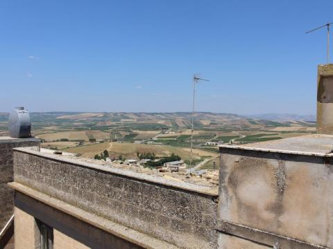 The real selling point of the property was the roof terrace, which boasted stunning views of the Sicilian countryside.