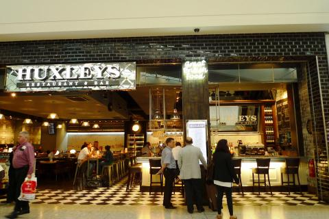 Restaurante en Heathrow Airport, TW6.