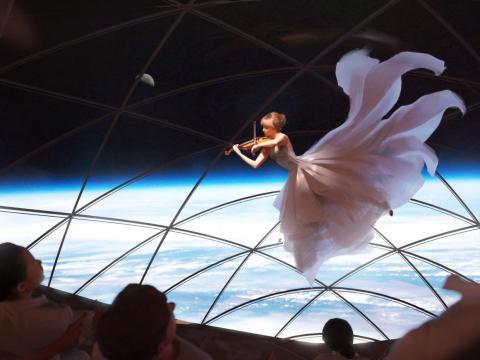 SpaceX ha producido obras de arte que incluyen una violinista que se presenta en el viaje a Marte en su nave Starship.