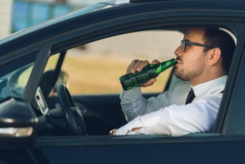 Los trucos que usa la Guardia Civil para saber si conduces bebido o drogado, sin hacer el test