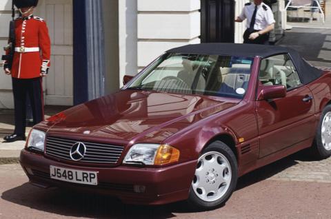 Mercedes SL500 (1992).