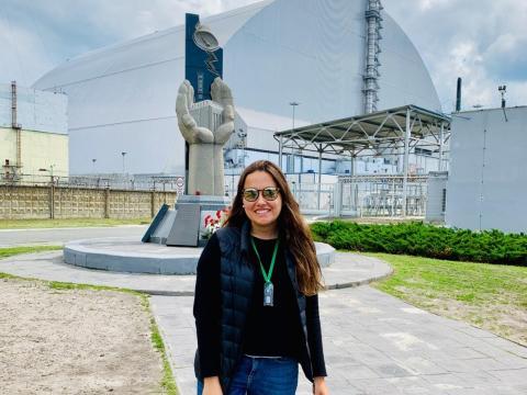 Aguilera frente al reactor.