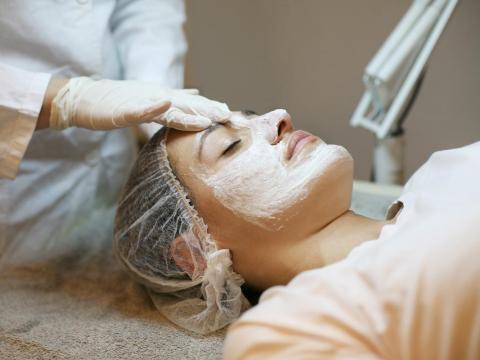 Y algunos expertos piensan que mejora también la piel.