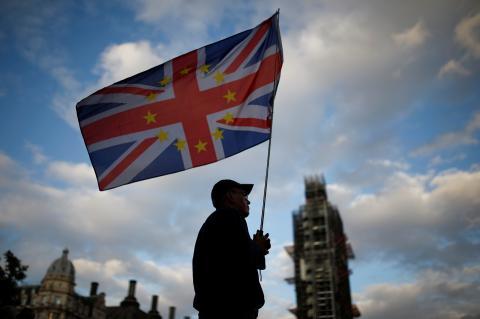 Bandera de Gran Bretaña en Londres durante las protestas contra el Brexit