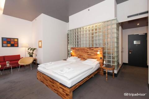 Los usuarios de Trip Advisor adoran este hotel por su diseño moderno y su ubicación céntrica.