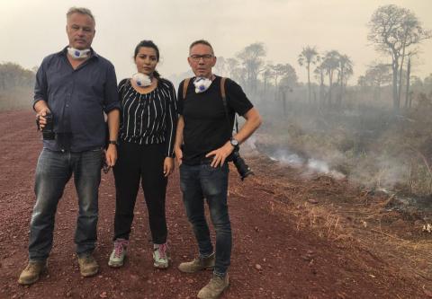 Peter Hell, Avzin Arbilly, y el fotógrafo Andreas Thelen en Bolivia.