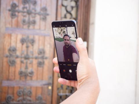 Cámara frontal para selfies del LG V50 ThinQ 5G