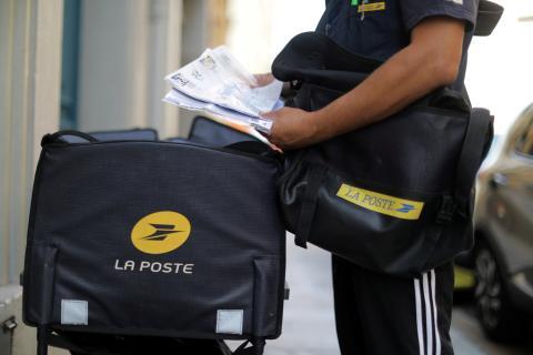 cartero, servicio postal francés