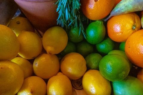Cítricos, limones, naranjas, limas