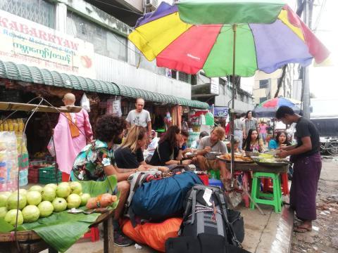 Visitábamos a menudo este puesto callejero para comer un plato riquísimo por menos de 50 céntimos.