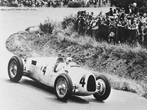 """Un auto de carreras """"Auto Union"""" de la década de 1930."""
