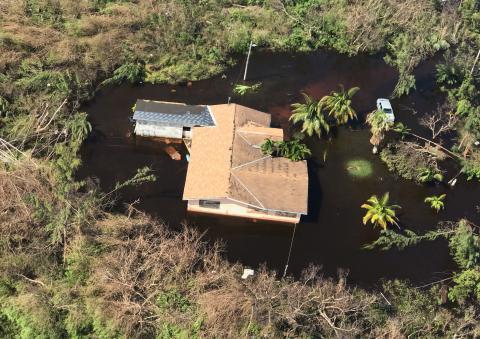 Una imagen aérea de cómo el huracán Dorian ha destrozado un barrio de la isla de Gran Bahama.
